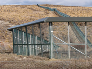 DOC's predator-proof fence at Macraes Flat to protect native lizards