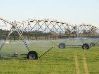 Traveling irrigator. Image - Tom Fraser