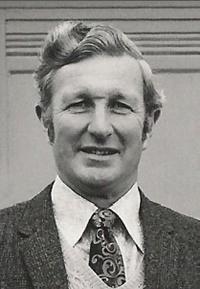 Dr Douglas W. Dye