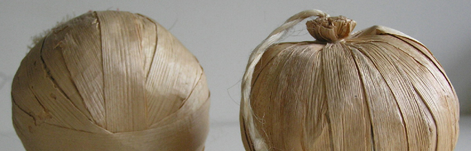 Poi made from raupō leaves. Collection of Mrs K Wood. Image - Sue Scheele