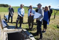 Landcare Research scientist Malcolm McLeod explains the research project to the Governor General of New Zealand, Sir Jerry Mateparae.