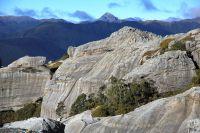 Sandstone cliffs near Garibaldi Ridge, north-west Nelson (Rowan Buxton)