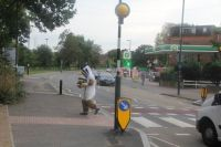 Bob successfully crossing a road in London without dropping the wasp nests! Photo credit Morgan Coleman.